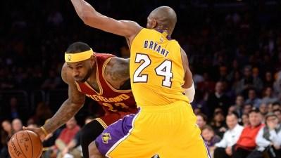 Lakers Practice in Phoenix, Kobe Not