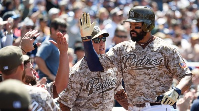 Padres Cool Off Dodgers' Hot Hitting