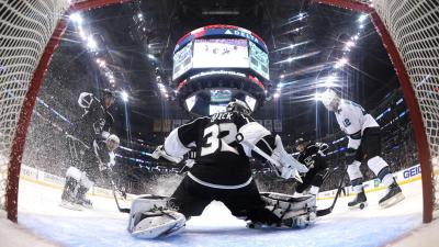 Quick, Kings Can't Overcome Third-Period Barrage in Loss