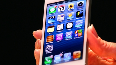 Apple Shares Drop Under $500 Over Weaker iPhone 5 Sales