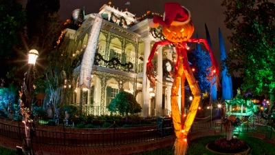 Haunted Mansion 2016 Gingerbread House