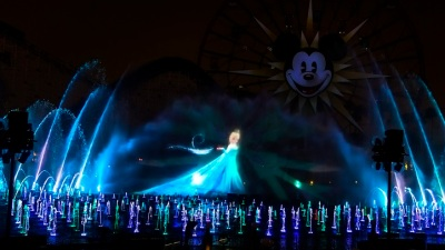 "Disney's ""World of Color -- Winter Dreams"" Debuts"