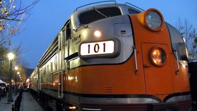 Pumpkinliner Takes to the Rails