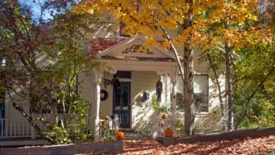 Nevada City: Where October Vacations