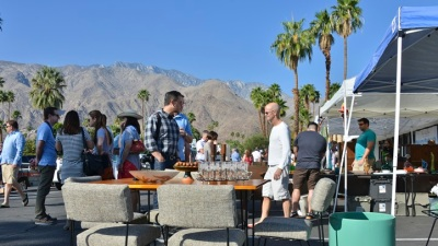Palm Springs Modernism: Retro Yard Sale