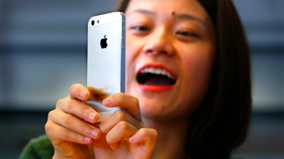 Apple Offers to Pay Motorola $1 Per iPhone