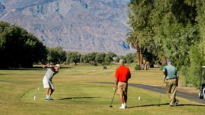Hot Clubs: Golfing in Death Valley