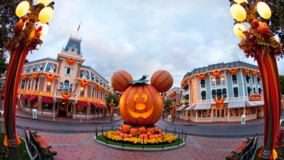 Even Bigger: Halloween Grows at Disneyland