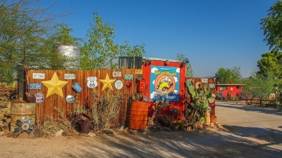 Joshua Tree Funky: Spin and Margie's