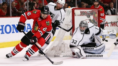 Kings Down Blackhawks in Game 2, Level Series
