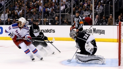 Kings Beat Rangers 3-2 in Game 1 of Cup Final