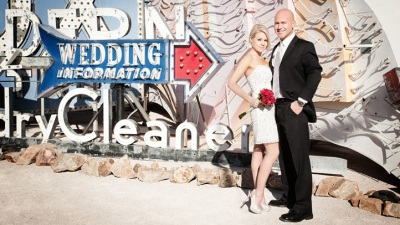 A Sin City Neon-Retro Wedding