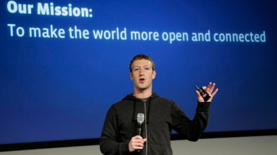 Zuckerberg Faces Angry Investors at Shareholder Meeting