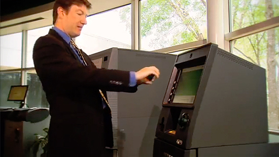Smartphone App Lets You Wirelessly Withdraw ATM Cash
