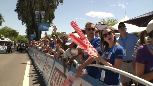 2013 Amgen Tour Draws Massive Crowds in Escondido