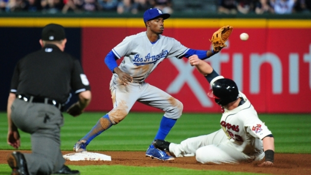 Braves Beat Dodgers, 3-1
