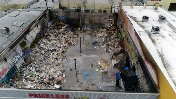Garbage Piles and Rats Are Stinking Up LA's Famed Fashion District