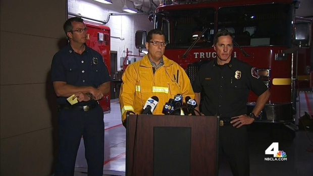 [LA] 15 Hurt After Two Fire Trucks Collide