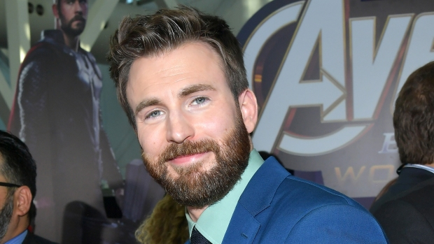 [NATL-AH] Chris Evans Crashes His 20-Year High School Reunion