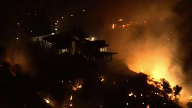 [LA] Aerial Video: Getty Fire Burns Hillside Homes on LA's Westside