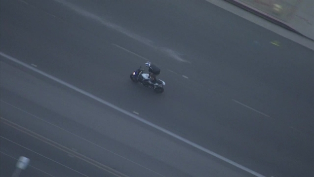 [LA] RAW VIDEO: Motorcyclist Leads Police on Chase