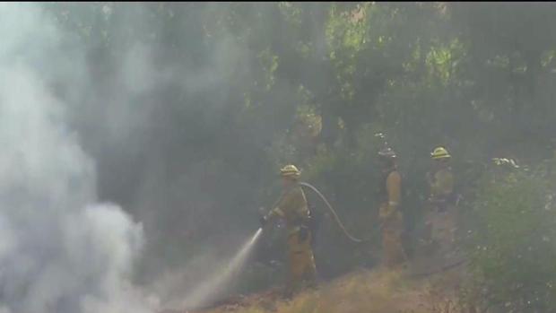 [LA] Brush Fire Threatens Homes