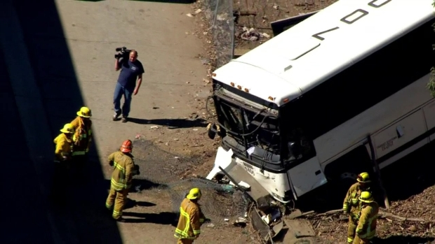 Bus Crashes Off 405 Freeway in Van Nuys - NBC Southern