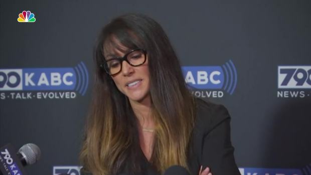 Broadcaster Leeann Tweeden Accuses Sen. Al Franken of Assault