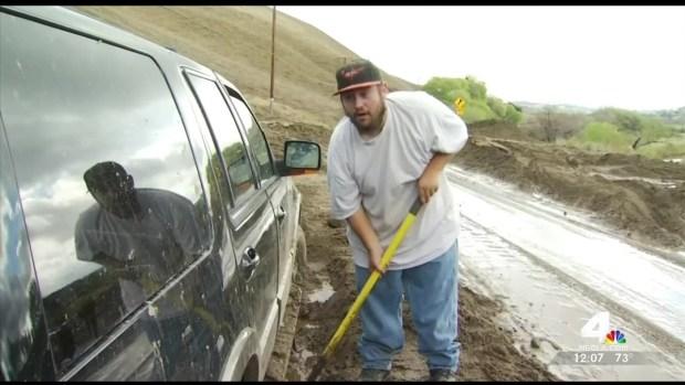 [LA] Mudslide Traps Drivers Northeast of LA