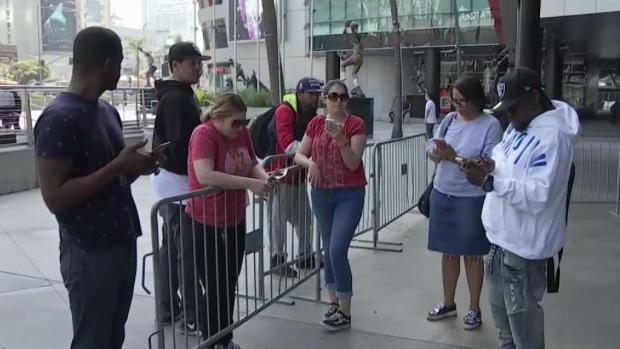 [LA] Fans Scramble for Nipsey Hussle Memorial Tickets