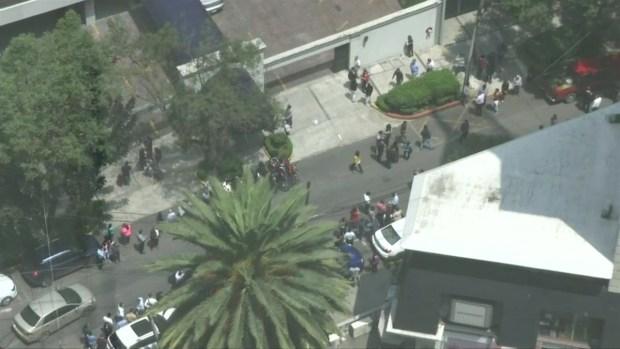 [NATL-LA] Video Captures Evacuations, Shaking in Mexico