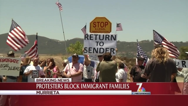 [DGO] Protesters Block Buses of Immigrant Transfers