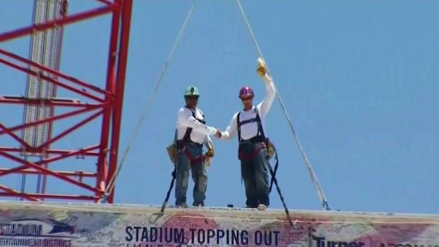 [LA] Inglewood NFL Stadium Celebrates Topping Off Ceremony