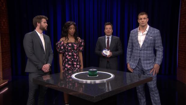 'Tonight': Catchphrase With Hemsworth, Gronk and Williams