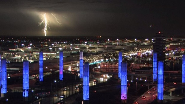 [LA] Lightning Strikes at LAX
