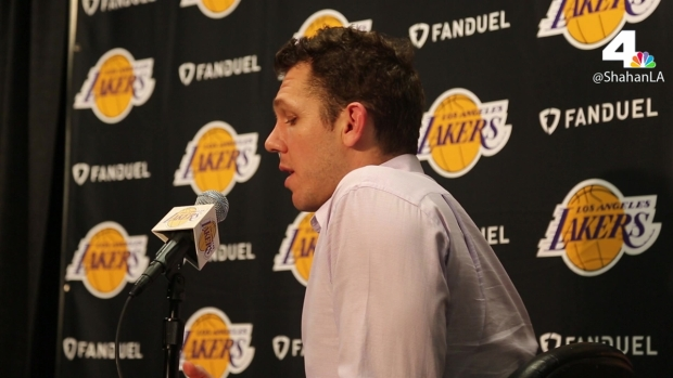 [LA] Lakers Fall to Kings 97-96, Walton Talks Postgame