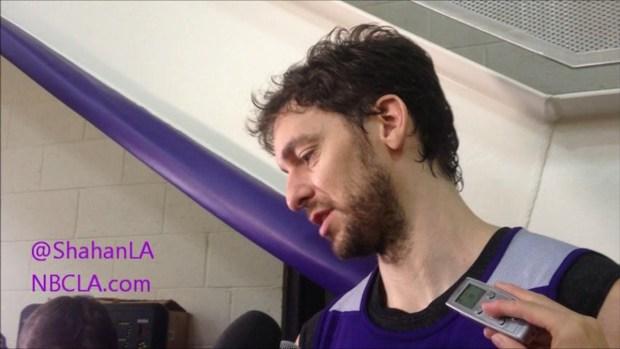 [LA] Kobe Bryant, Pau Gasol On Blakes' Injury - Lakers Practice
