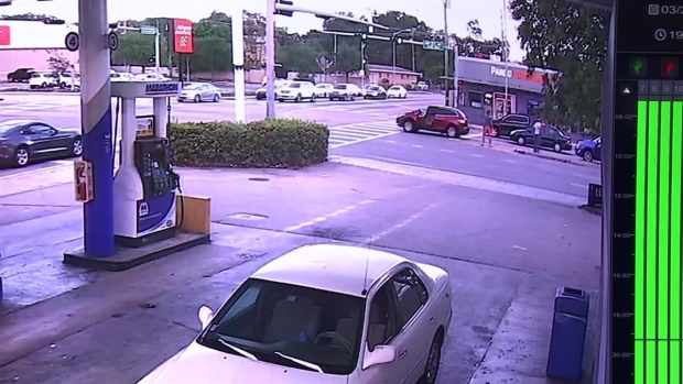 [NATL-MI] RAW: Mexican Actor's Alleged Punch Caught on Camera