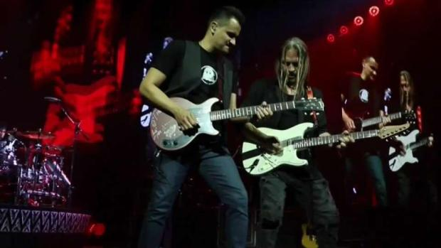 [LA] Mexican Rock Band Makes History