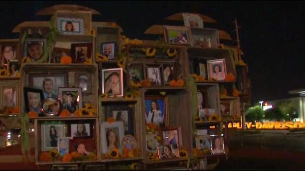 [LA] Memorial Erected for Victims of Las Vegas Massacre