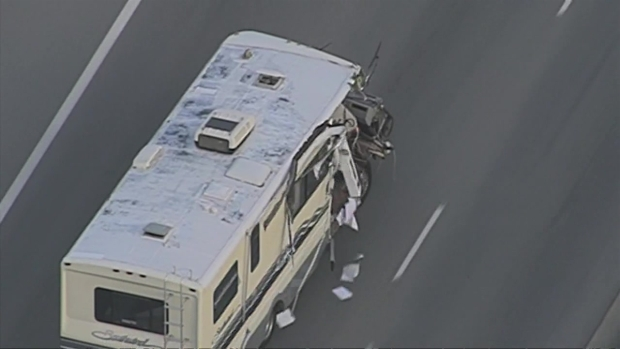[LA] Motor Home Pursuit in San Fernando Valley Crashes Multiple Times