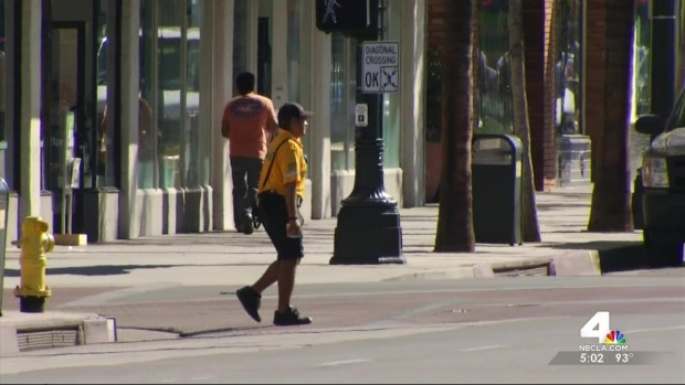 [LA] Locals Undeterred by October Heat Wave