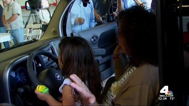 [LA] Officer Surprises Mom With Car That Belonged to Soldier Son