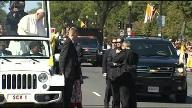 [LA] Los Angeles Girl Sofi Cruz Meets Pope Francis
