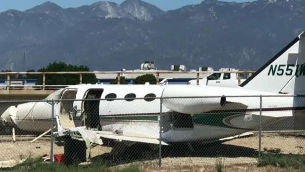 [LA] Private Planes Crashes Near Busy Highway