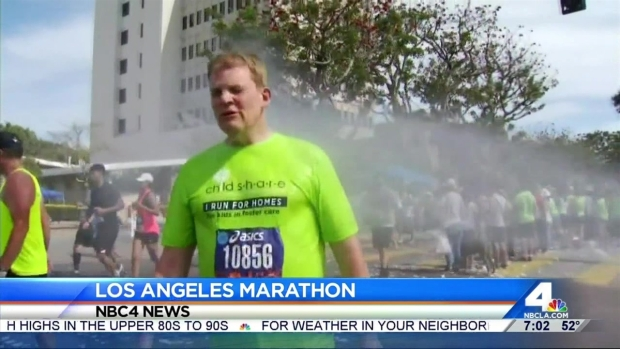 [LA] Runners Hit the Pavement in 2016 LA Marathon