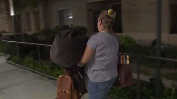[LA] Saddleridge Evacuees Escorted Home to Grab Belongings