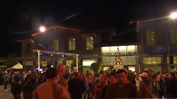 [LA] Santa Clarita Tree Lighting Honors Saugus Victims