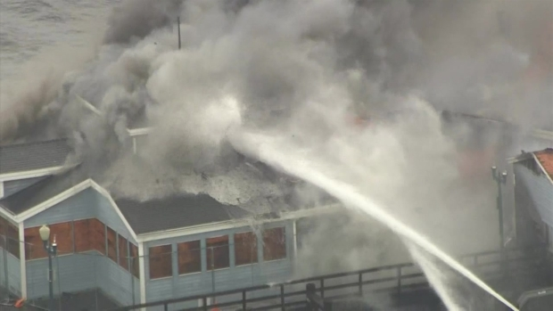 fire burns former ruby 39 s diner building on seal beach pier. Black Bedroom Furniture Sets. Home Design Ideas