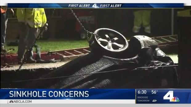 [LA] Crews Work to Repair Sinkhole in Studio City
